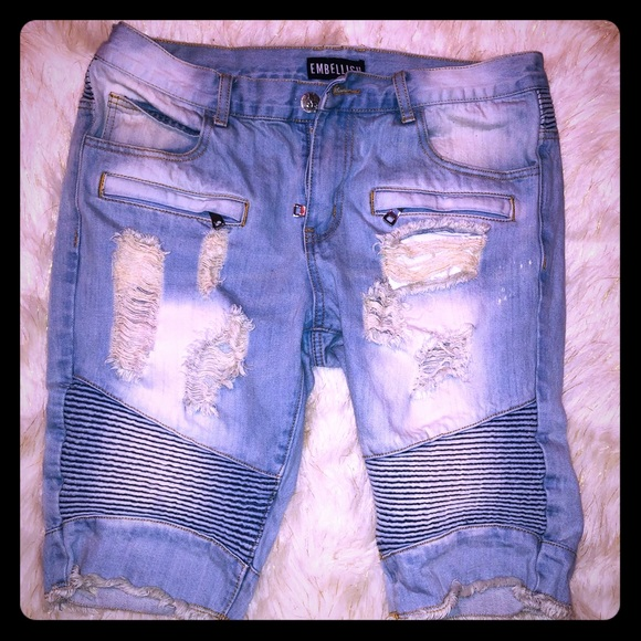 embellish Other - Men's distressed trendy style jean shorts